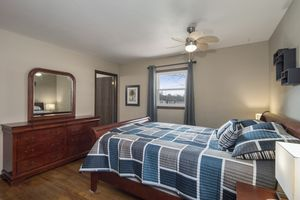 Master Bedroom900 Roosevelt St Photo 8