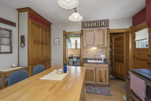 Kitchen223 S Madison St Photo 10