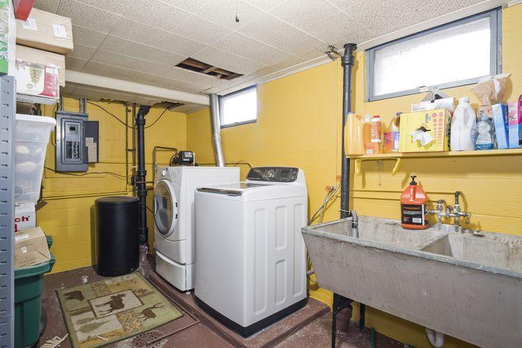 Laundry Area Photo #25