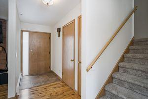 Foyer5600 TECUMSEH AVE Photo 2