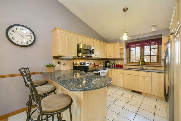 Kitchen Photo #10