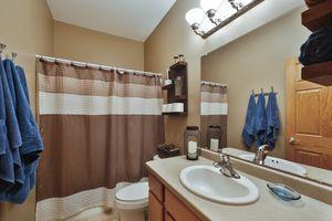 Main Level Bathroom300 Molly Ln Photo 18