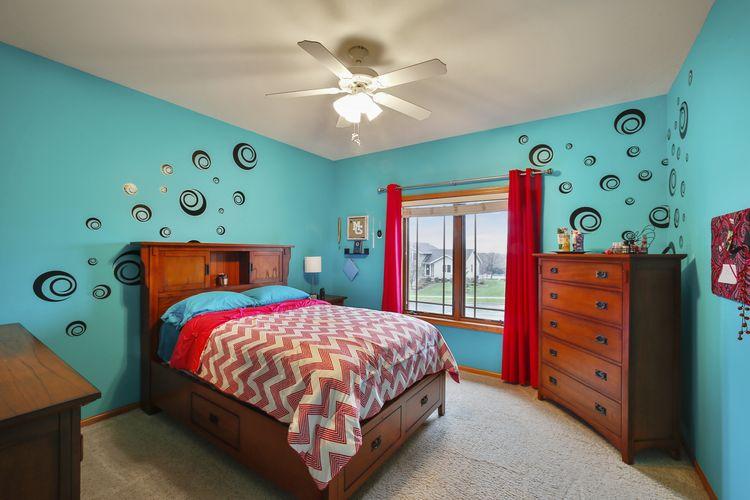 Front Bedroom Photo #19