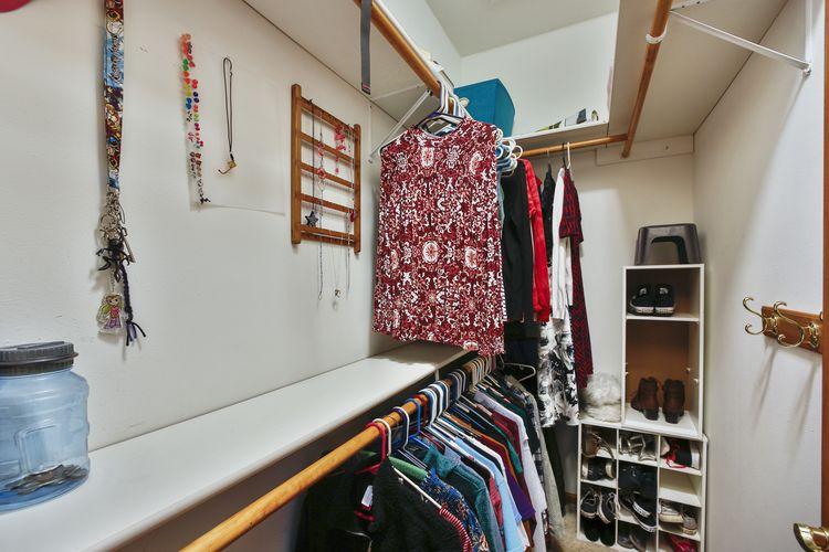 Lg Closet in Front Bedroom Photo #20