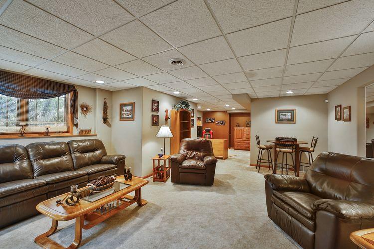 Recreation Room Photo #29