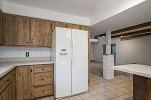 Kitchen5800 Pembroke Dr Photo 17