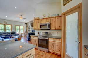 3433 Halverson Road-20.jpg3433 Halverson Rd Photo 19