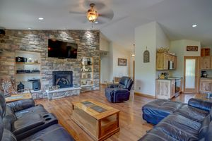 3433 Halverson Road-35.jpg3433 Halverson Rd Photo 34