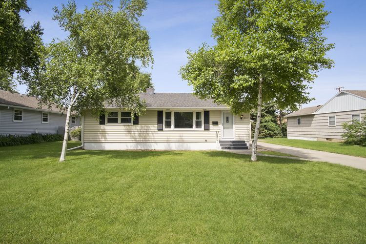 5313 Admiral Dr Photo