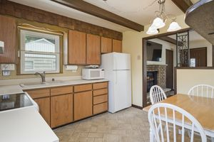 Kitchen5313 Admiral Dr Photo 11