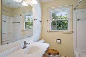 Bathroom5313 Admiral Dr Photo 26