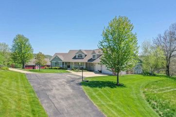8304 Hwy 19 Berry, WI 53528 - Image 1