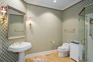 Bathroom1077 Farwell Dr Photo 15