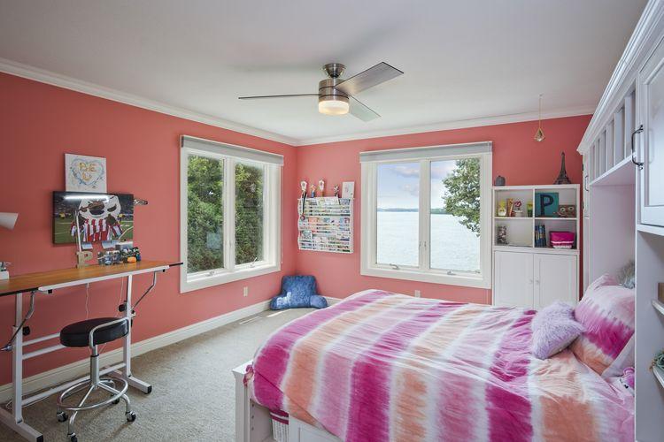 Bedroom Photo #27