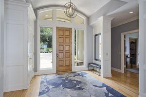 Foyer1077 Farwell Dr Photo 3