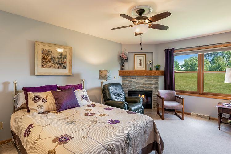 Main Bedroom Photo #11