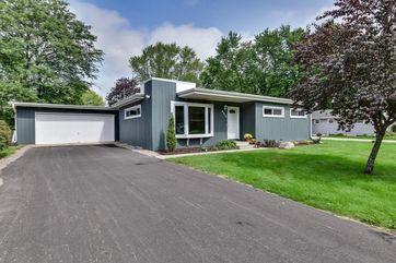 6314 Lakeview Blvd Middleton, WI 53562 - Image 1