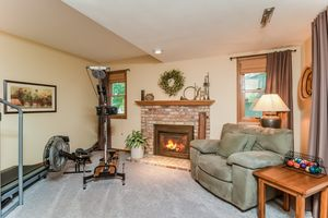Family Room5 Star Fire Ct Photo 16