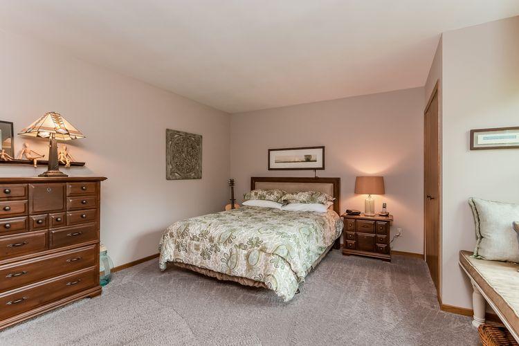 Main Bedroom Photo #18