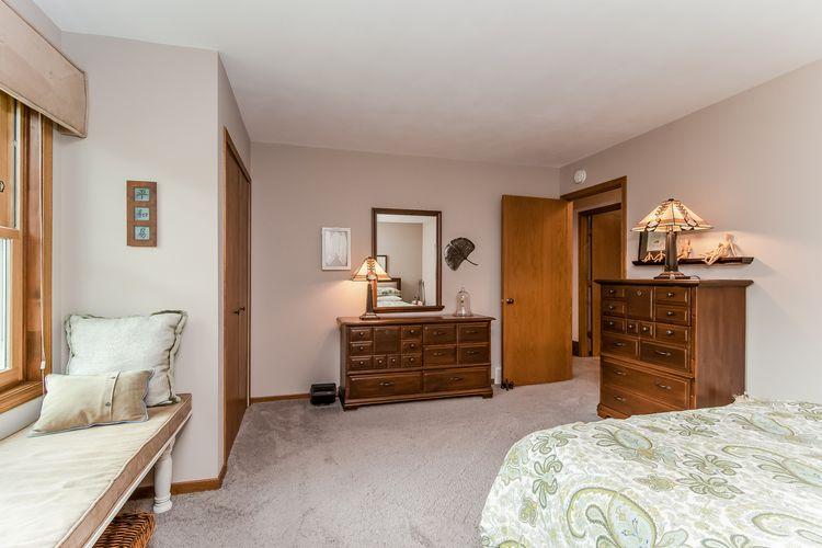 Main Bedroom Photo #19