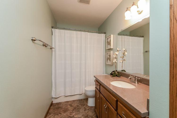 Main Bathroom Photo #20