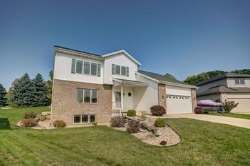 34 Woodcroft Cir Madison, WI 53719 - Image 1