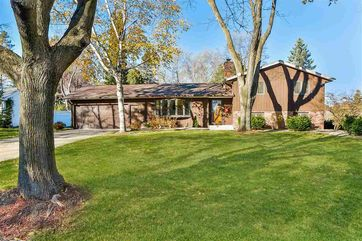 5702 Dorsett Dr Madison, WI 53711 - Image 1