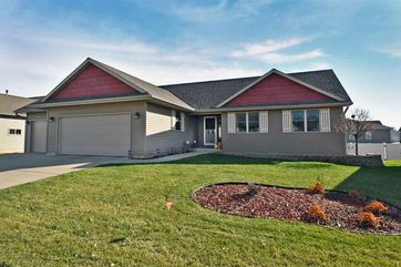 2015 Dakota Way Prairie Du Sac, WI 53578 - Image 1