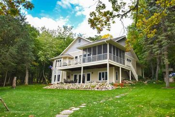 W2592 Oakwood Beach Rd Green Lake, WI 53946 - Image 1