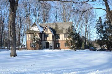 614 Farwell Dr Maple Bluff, WI 53704 - Image 1