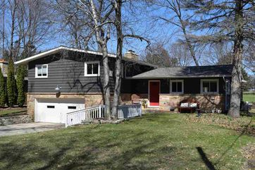 506 Leroy Rd Maple Bluff, WI 53704 - Image