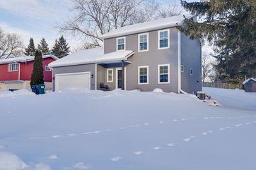 506 Central Ave Deerfield, WI 53531 - Image 1