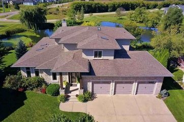 902 Sunset Bay Waunakee, WI 53597 - Image 1