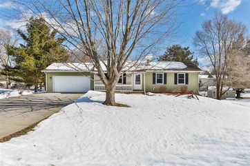 984 Ash Ln Dunkirk, WI 53589 - Image 1