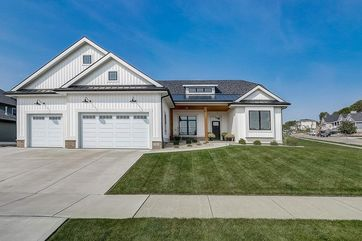 1310 Tierney Dr Waunakee, WI 53597 - Image 1