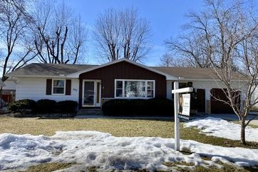207 10th St Circle Prairie Du Sac, WI 53578 - Image 1