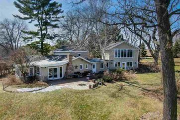 2234 Colladay Point Dr Dunn, WI 53589 - Image 1