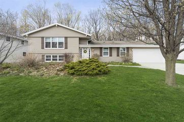 4555 S Camrose Ave New Berlin, WI 53151 - Image 1