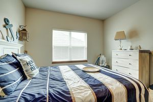 947 South Street Deforest - Large-10.jpg947 South St Photo 22