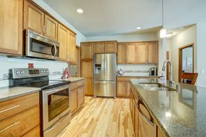 947 South Street Deforest - Large-30.jpg947 South St Photo 9