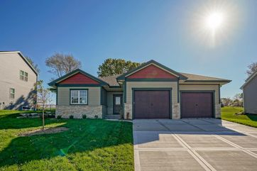 643 Foxfield Rd Oregon, WI 53575 - Image 1