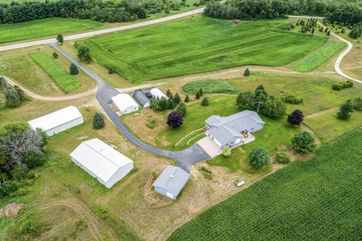 9702 W State Rd 81 Newark, WI 53511 - Image 1