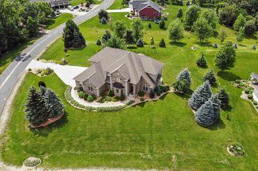 5815 Fox Tail Rd Sun Prairie, WI 53559 - Image 1