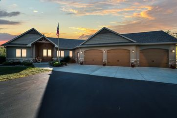 2403 N Tay Ct Janesville, WI 53548 - Image 1