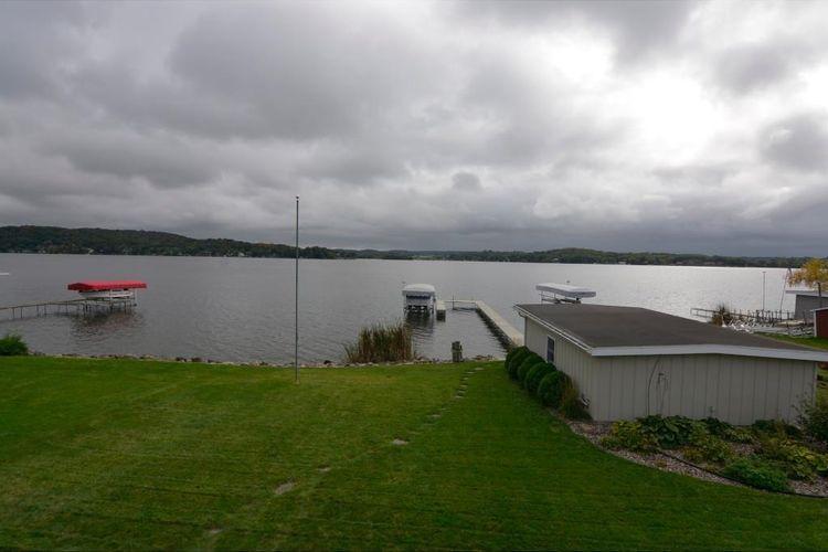 716 Lake Wis Dr Photo