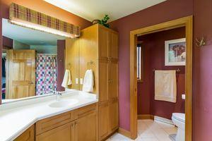 Laundry RoomN500 KELLEY RD Photo 13