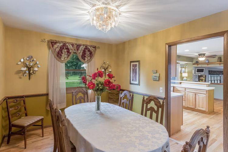 Dining Room Photo #12