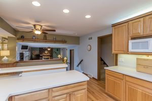 Kitchen6630 PIPING ROCK RD Photo 15