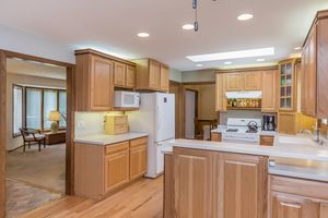 Kitchen6630 PIPING ROCK RD Photo 18