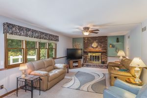 Family Room6630 PIPING ROCK RD Photo 20
